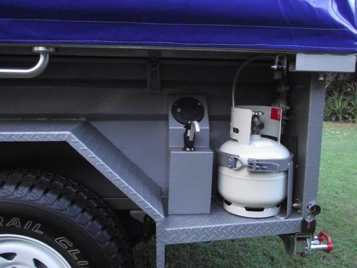 Lockable water storage