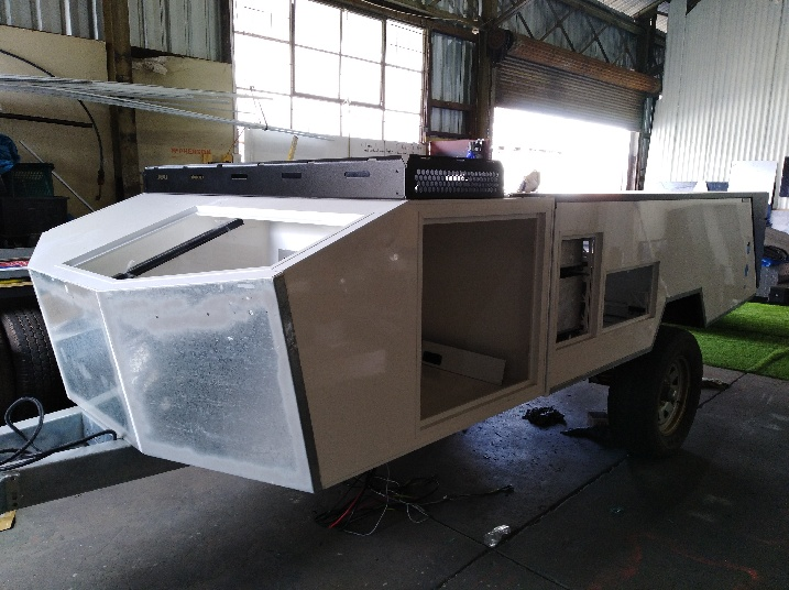 Hard floor camper